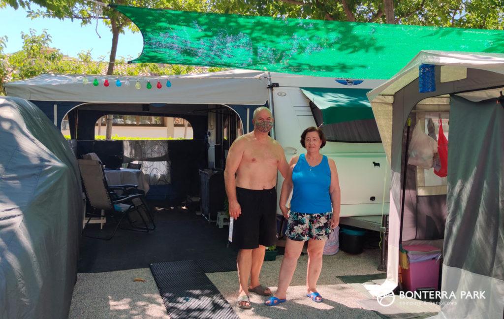 Campistas españoles seguros en Bonterra Park, Benicàssim