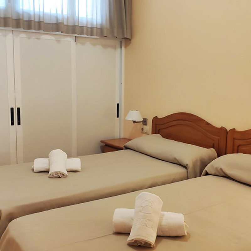 camping_bonterra_benicasim_bungalow_camas_individuales1