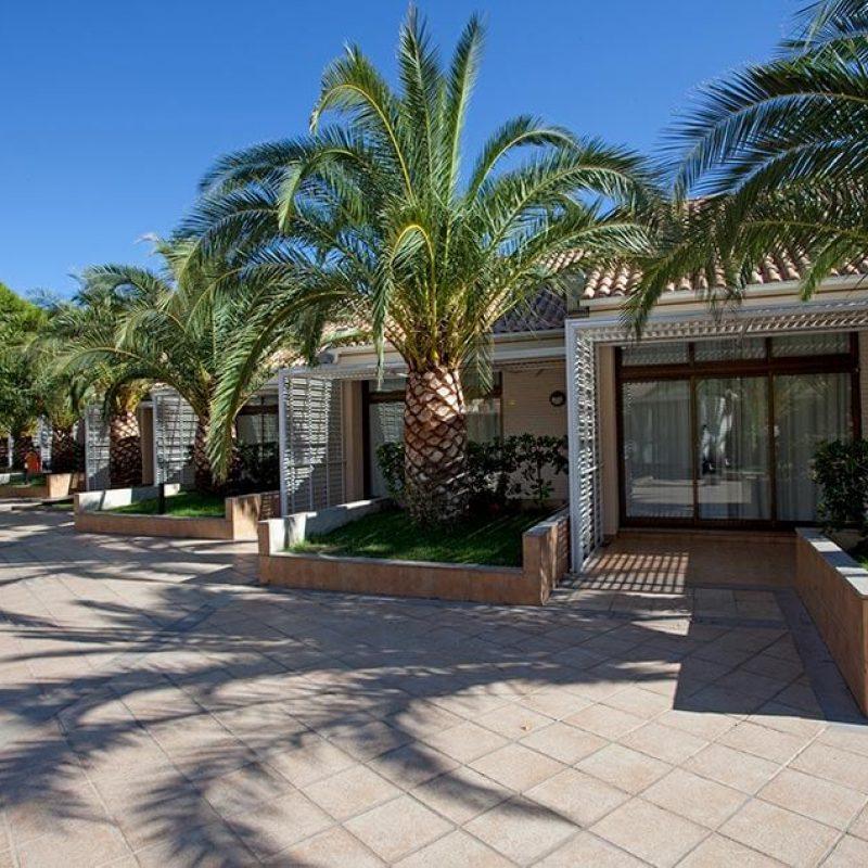 camping_bonterra_benicasim_bungalow_exterior
